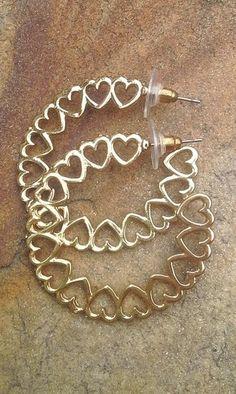 Argola romântica. Deoli Atelier argola, brincos, bijus, bijuteria, corações
