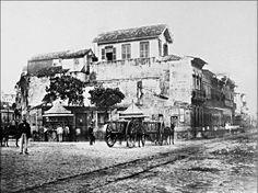 Neste local hoje se encontra o Teatro Municipal e ao seu lado o que seria a Avenida Rio Branco.