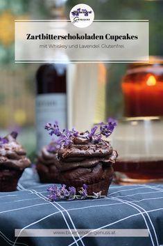 Wenn feinste 99%ige Zartbitterschokolade auf Whiskey und Lavendel trifft, dann ist wahrhaftig, vollmundiger Genuss nicht weit entfernt! Das Geschmackspotential der Kakaobohne wird in dieser kleinen Köstlichkeit sinnlich ausgeschöpft und mit einem Hauch rauchigen Whiskey umhüllt, welcher all seine Eleganz auf seinen Träger übergibt. Die fruchtige Lavendelnote verführt den Gaumen gleichermaßen wie das Auge und verspricht eine vollmundige Geschmackssymphonie. REZEPT AM BLOG Whiskey Cupcakes, Desserts, Blog, Molten Chocolate, Cacao Powder, Glutenfree, Elder Flower, Mint, Postres