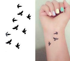 Produtos do sexo Tatoo tatuagem temporária para homem Weman à prova d ' água adesivos de maquiagem maquiagem make up os pombos da paz tatuagem WM072 em Tatuagens Temporárias de Beleza & saúde no AliExpress.com | Alibaba Group Dove Tattoos, Mini Tattoos, Peace Tattoos, New Tattoos, Body Art Tattoos, Unique Tattoos, Kleine Feminine Tattoos, Small Feminine Tattoos, Small Bird Tattoos