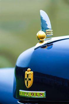 1942 Lincoln Continental Cabriolet Hood Ornament - Emblem - Car Images by Jill Reger Car Badges, Car Logos, Lincoln Continental, Retro Cars, Vintage Cars, Logo Autos, Car Bonnet, Car Hood Ornaments, Art Deco