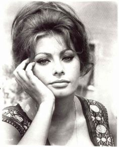 Net Image: Sophia Loren: Photo ID: . Picture of Sophia Loren - Latest Sophia Loren Photo. Carlo Ponti, Classic Hollywood, Old Hollywood, Loren Sofia, Sophia Loren Images, Claudia Cardinale, Italian Actress, Italian Beauty, Actrices Hollywood