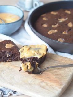 Magisk gode snickersbrownies - uten sukker og mel - Sukkerfri Hverdag