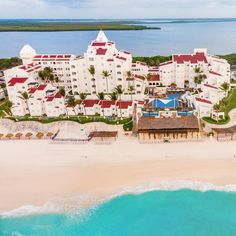GR Caribe By Solaris Deluxe All Inclusive Resort Cheap All Inclusive, Cheap Hotels, All Inclusive Resorts, Romantic Vacations, Dream Vacations, Vacation Destinations, Vacation Spots, Beachfront Property, Cancun Mexico