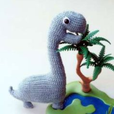 Mesmerizing Crochet an Amigurumi Rabbit Ideas. Lovely Crochet an Amigurumi Rabbit Ideas. Crochet Dinosaur, Crochet Monsters, Dinosaur Pattern, Crochet Animals, Crochet Gratis, Free Crochet, Amigurumi Free, Amigurumi Toys, Single Crochet Stitch