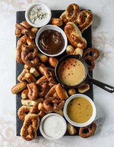 This is the cutest way ever to serve the best pumpkin beer If you do a pumpkin beer party of a pumpkin beer tasting this pumpkin cooler is an adorable and easy way to make things festive Kick it up with a hot pretzel bar and lots of dipping sauce too Charcuterie Recipes, Charcuterie And Cheese Board, Think Food, Love Food, Fingers Food, Beer Tasting Parties, Beer Tasting Birthday, Food Tasting, Pumpkin Beer