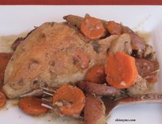 Slow Cooker Herb Chicken and Vegetables - #chicken #vegetables
