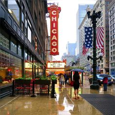I think this rain should stop, so we can take care our things around town; but on a flip side, we always get these pretty colors ;) #Pretty #Chicago #Downtown #ChicagoLoop #TheChicagoTheatre #Rainy #Afternoon #WindyCity #StateStreet #LakeAndStateStreet #LouisCK #FUnAfternoon #HappyTuesday #Spring2016 #May2016 #Lovely #Colors