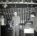 NEAT CHANGE -1967 at THE MARQUEE. They never got to record songs they chose - much less be on their 45.. They split in 1968 only remembered by those that saw 'em live & as a footnote for being the first SKINHEAD band in London. Members were also in FREAKBEAT Legends THE SYN, ANDROMEDA & street rockers - Roy Owen's MOON. The singer did ENGLISH ROSE, STUMPY, WASHINGTON FLYERS (all glam) & later worked w/ SHAM 69 & The PRETENDERS.. of course Peter Banks was a founding member of YES too..yuck