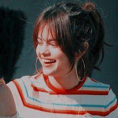 ↻┇ ❝ 𝙄𝙘𝙤𝙣𝙨 ❞ - ♡彡 Selena Gomez Selena Gomez Linda, Selena Gomez Fotos, Selena Gomez Photoshoot, Selena Gomez Cute, Selena Gomez Outfits, Selena Gomez Pictures, Selena Gomez Trajes, Wizards Of Waverly, Marie Gomez