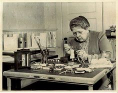 'Before forensics, DNA, and CSI we had dollhouses – an unimaginable collection of miniature crime scenes, known as the Nutshell Studies of Unexplained Death. Created in the and by a crime-fighting millionaire heiress grandmother Frances Glessner. Homicide Detective, Forensic Science, Interesting History, Interesting Stories, Interesting Reads, Before Us, Women In History, Dieselpunk, Investigations