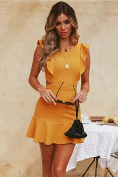 Our choice of very short dresses, by using trend-setting styles, casual, business. Beach Dresses, Sexy Dresses, Casual Dresses, Short Dresses, Summer Dresses, Elegant Dresses, Cute Casual Outfits, Wedding Dresses, Blue Dresses