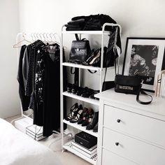 bedroom, black, and closet afbeelding