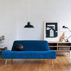 パッと目を奪われる。お部屋のアクセントカラーは「ブルー」で決まり♡ | folk