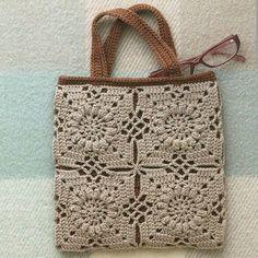Linda bolsa ❤ . . #inspiracao #crochet #bag #bolsasdecroche