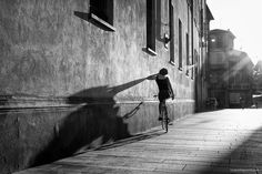 by Roberto Perotti