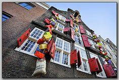 Send a Smile Sinterklaas Visual Merchandising, Google, La Perla Lingerie