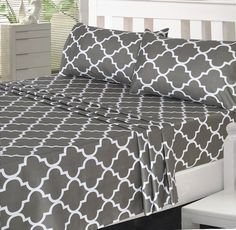 4 Piece Bed Sheets Set. Soft and Breathable Fabric Bring soft and cozy feel to your bed