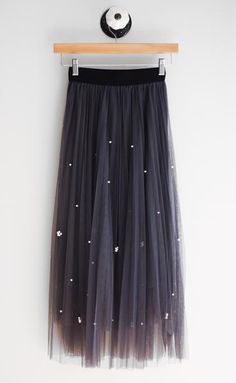 The Jumper Tulle & Pearl Midi Skirt Grey Tulle Skirt, Tulle Skirt Dress, Midi Skirt, Dress Up, Street Hijab Fashion, Muslim Fashion, Stylish Summer Outfits, Trendy Outfits, Casual Dresses