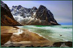 Lofoten- Kvalvika by steinliland, via Flickr