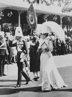 King George V and Queen Mary on arrival in Delhi, at the time of the Delhi Durbar.   Royal Collection Trust