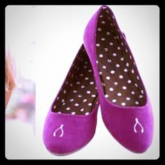 Magenta wishbone flats Loly in the sky magenta flats in 6.5. Worn a handful of times still great condition!! Super light weight and cute. ModCloth Shoes Flats & Loafers