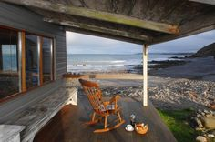 510 sq ft tiny cottage on the beach 008 600x398   510 Sq. Ft. Tiny Cottage on the Beach I would love to holiday here.