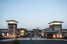 About St. Louis Premium Outlets® - A Shopping Center In Chesterfield, MO 63005-0013 - A Simon Property