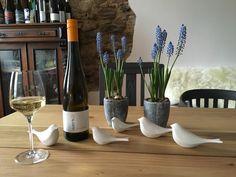 Piep Piep Piep wir haben uns alle lieb! Jede(r) trinke was er kann - nur NICHT von seinem Nebenmann ;-) (german phrase) - #riesling #swing #cuvee #springtime #spring #tischdeko #tabledecor #Weingut #werk2 #werk2weine #Vinothek #Weinprobe #Geisenheim #Rheingau #HANDEMADE #winetasting #kulturlandrheingau #mywinemoment #winery #weingutwerk2