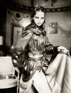 Paolo Roversi photography | Vogue Russia December 2000 | via tumblr