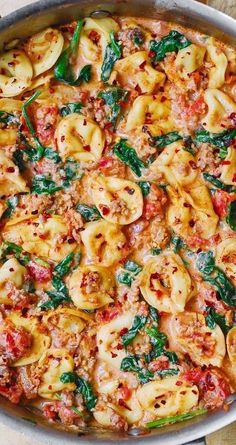 Spinach And Tomato Tortellini, Cheese Tortellini Recipes, Garlic Tortellini, Chicken Sausage Recipes, Sausage Dinner Recipes, Turkey Sausage, Quick Recipes With Sausage, Tortellini Ideas, Vegetarian Barbecue