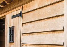 Als aanvulling op onze classic houten bijgebouwen carports