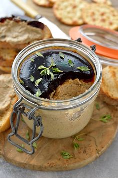 Mushroom pâté - a tasty vegetarian mushroom pâté made with dried porcini mushrooms for extra flavour. Great as a starter, canape or sandwich filling. Pate Recipes, Veggie Recipes, Appetizer Recipes, Cooking Recipes, Burger Recipes, Tasty Vegetarian, Vegetarian Starters, Ceviche, Sashimi