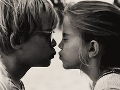 """""""Há sempre alguma loucura no amor.  Mas há sempre um pouco de razão na loucura.""""  Nietzsche"""