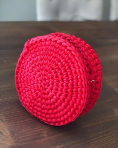 "13 Me gusta, 1 comentarios - Crochet By Zaya (@zayacrochet) en Instagram: ""🔸🔴🔸#bolso #bag #bolsodetrapillo #redbag #bolsorojo #rojopasion #rojo #red #zayacrochet #crochet…"""