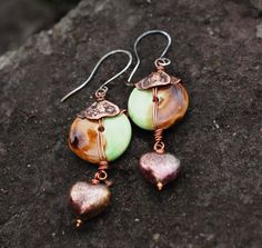 Heart earrings with etched petals caps and green by ViolinDesign