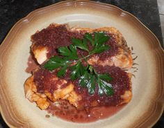 """""""Roasted Salmon in Onion Wine Sauce"""" This recipe came out of Fabulous Feasts, Medieval Cookery and Ceremony, by Madeleine Pelner Cosman, page Medieval Banquet, Medieval Recipes, Roasted Salmon, Wine Sauce, Kitchen Items, Food Dishes, Food Inspiration, Food And Drink, Nutrition"""