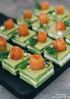 Fluted with piquillos and chorizo - Clean Eating Snacks Tapas Recipes, Healthy Recipes, Gourmet Recipes, Cooking Recipes, Buffet Recipes, Tapas Ideas, Spinach Cake, Brunch, Cake Toppers
