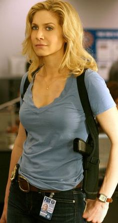 """Elizabeth Mitchell from """"V"""" pinned from http://blogs.coventrytelegraph.net/thegeekfiles/2011/03/human-target-v-thundercats-and.html"""