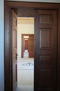 L e N t I n I  iN  G i R o  N e L   M o N d O: Palazzo Beneventano e Sigonella