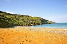 Ramla il-Hamra beach, Malta
