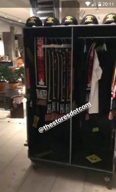 Bill Instagram Story – 29.11.2017 VI#tokiohotel #billkaulitz pic.twitter.com/YJyANXVwvQ — Tokio Hotel Wola (@THWonderland) November 29, 2017 SOURCE: Bill Kaulitz Instagram