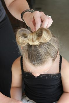 How to do a Minnie Mouse Hair Style #Lilyshop