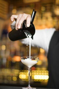 Bar Drinks, Alcoholic Drinks, Bonsai, A Table, Red Wine, Tableware, Food, Dinnerware, Tablewares