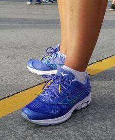 Tips on How To Keep Running Through the Holidays #waverider21 #ad #FitFluential @mizunorunning