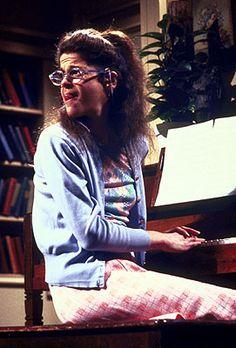 "Gilda Radner as Lisa Loopner. her piano recital doing ""The Way We Were"" (I love Gilda! Saturday Night Live, Best Of Snl, Snl Characters, Snl Cast Members, Gilda Radner, Piano Recital, Comedy Tv, I Love To Laugh, Classic Tv"