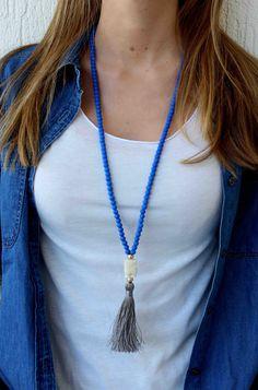 Collar azul. Collar largo con cuentas. borla collar. Bohemia