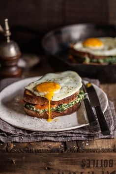 20 Favorite Egg Recipes / Ways to Eat Eggs (for Breakfast, Lunch and Dinner) - Croque Madame with Spinach and Smoked Salmon Egg Recipes, Brunch Recipes, Breakfast Recipes, Cooking Recipes, Healthy Recipes, Coffee Recipes, Salmon Recipes, Breakfast Ideas, Good Food