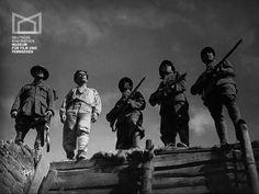 """Ernst Busch, Hugh Stephen Douglas, Louis Douglas, Georges Péclet und Wladimir Sokoloff in dem großartigen deutschen Antikriegsfilm """"Niemandsland"""" (1931)."""