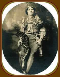 Lady Snake Charmer